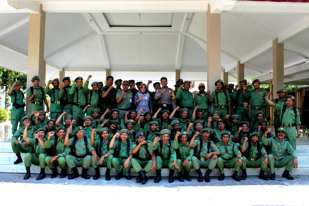 Pelatihan Peningkatan Kapasitas Linmas bagi Anggota Linmas Kelurahan Kutowinangun Lor